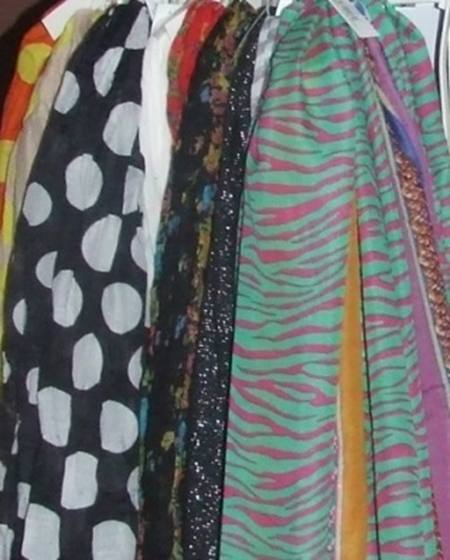 SCARFS - ASSORTED COLOURS AND SIZES